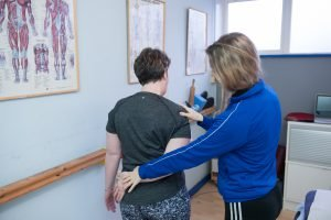 How To Manage Your Back Pain Before Your Physio Appointment